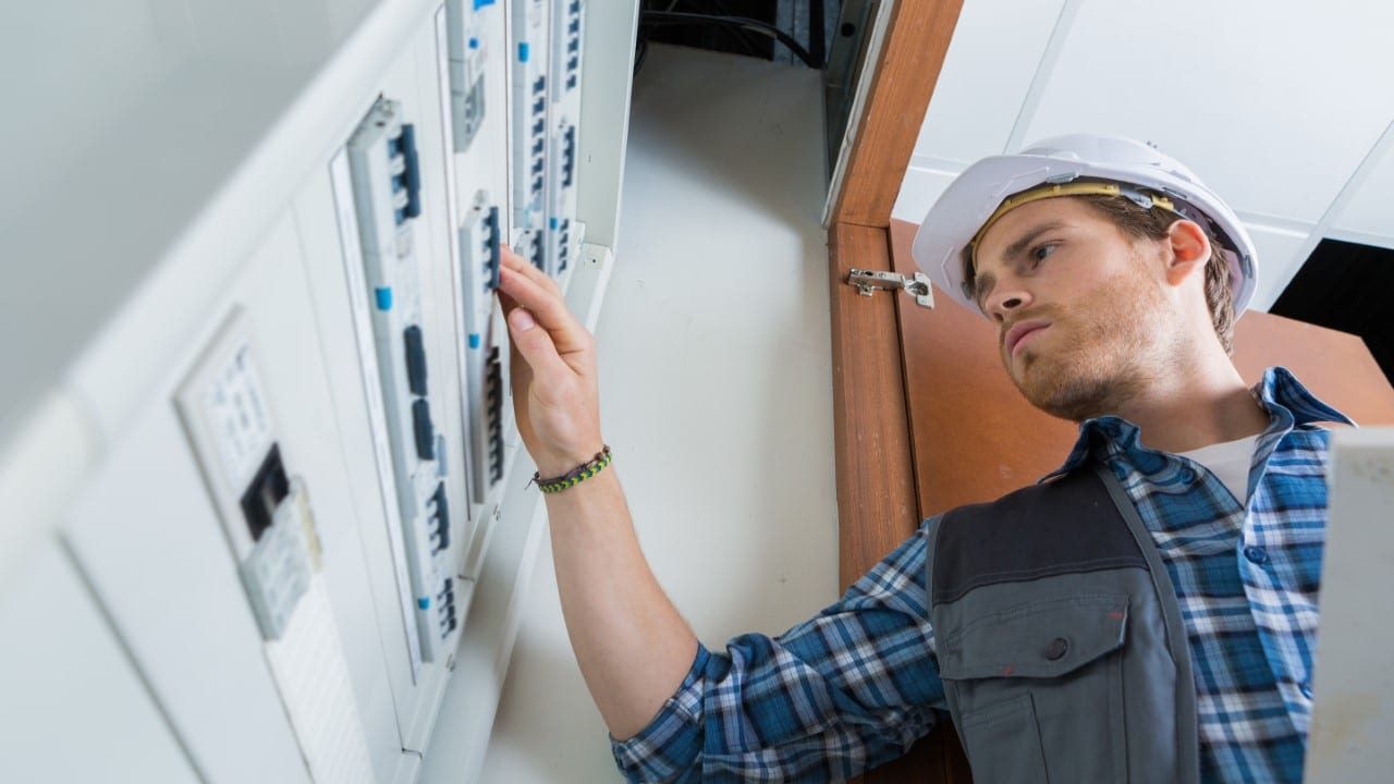 What is the profile of an electrical technician?